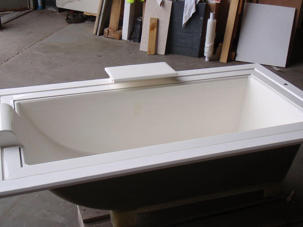 infinity edge bath length 1800mm width 950mm quantity available 1 rrp sale price